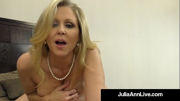 Julia ann, Mature handjob