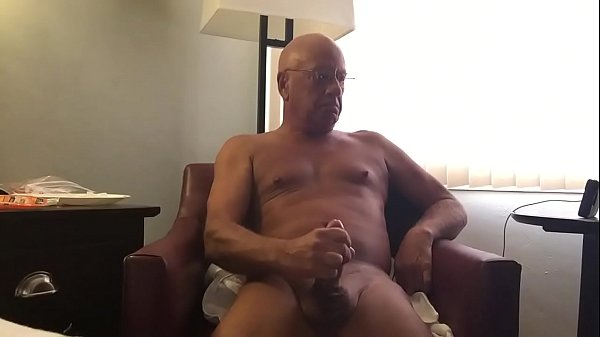 Mature solo, Gay mature